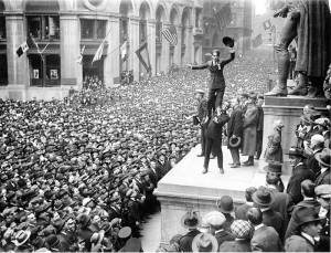 Fairbanks_and_Chaplin,_Wall_Street_Rally,_New_York_Times,_1918[1]